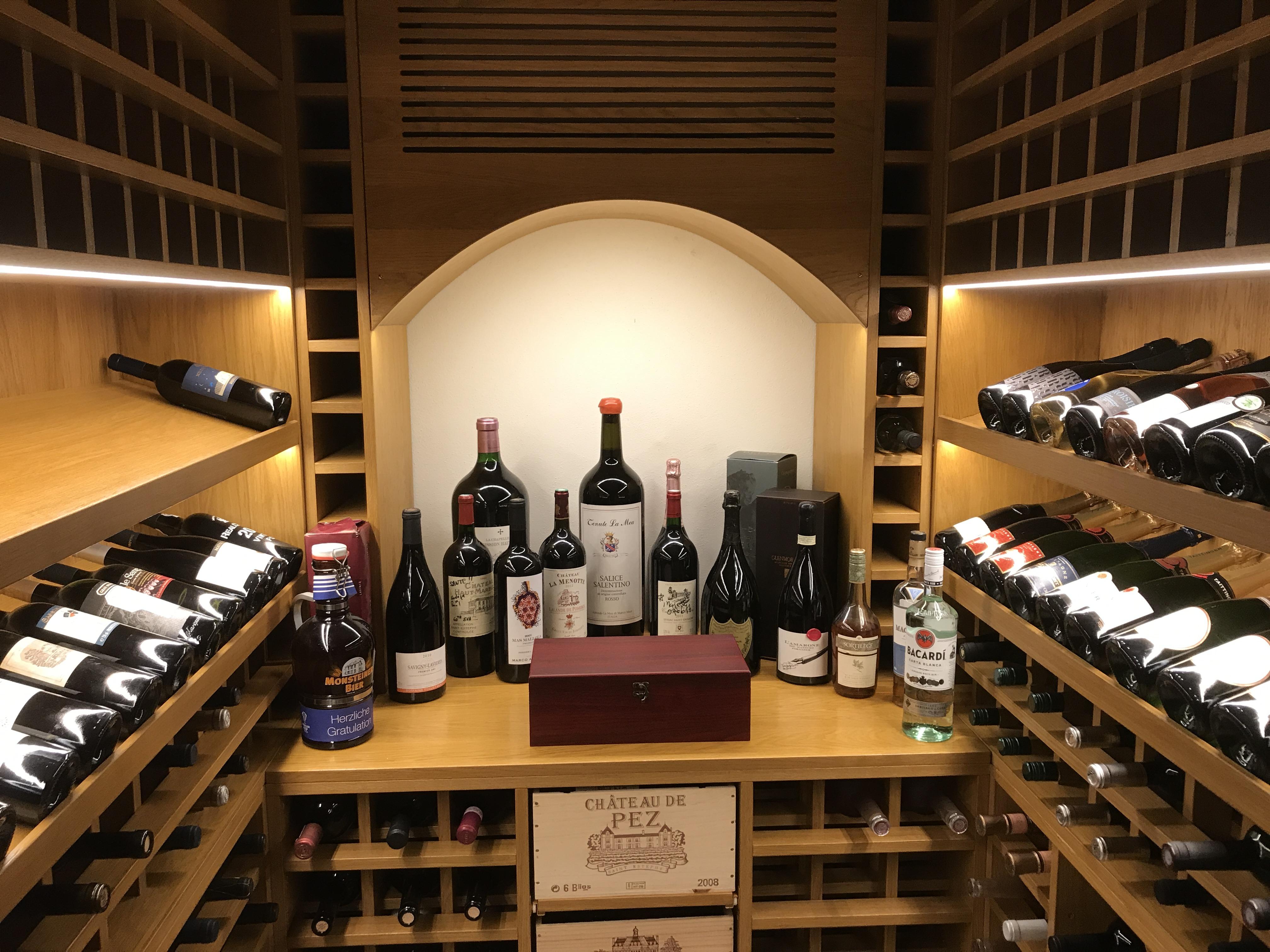 Une Cave A Vin casiers en bois | cave à vin.ch